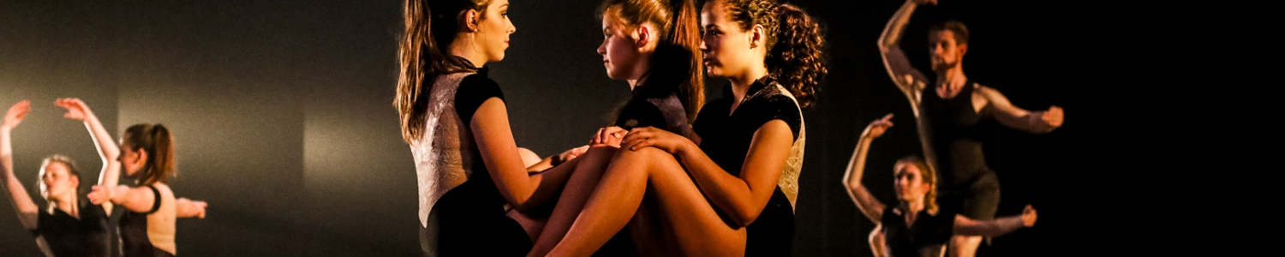 beleef dansende momenten met het dansteam modern jazz